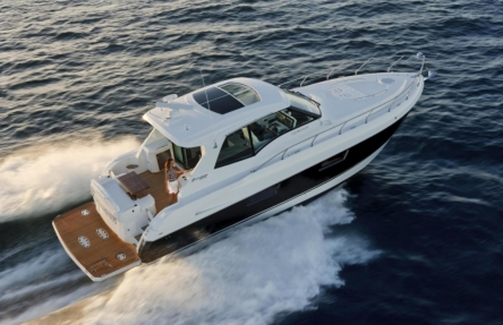 Picture Of: 48' Cruisers Yachts 48 Cantius 2013 Yacht For Sale | 2 of 24
