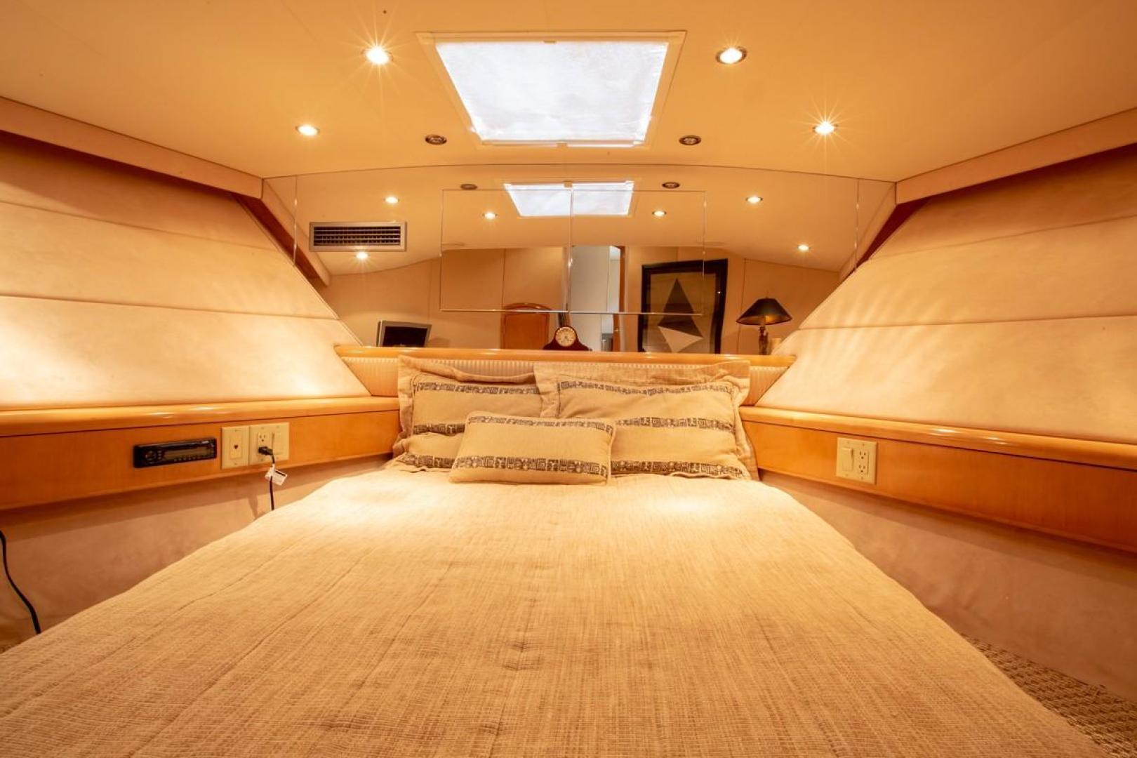 Hatteras-Cockpit Motor Yacht 2000-Getaway Ft. Lauderdale-Florida-United States-977392 | Thumbnail