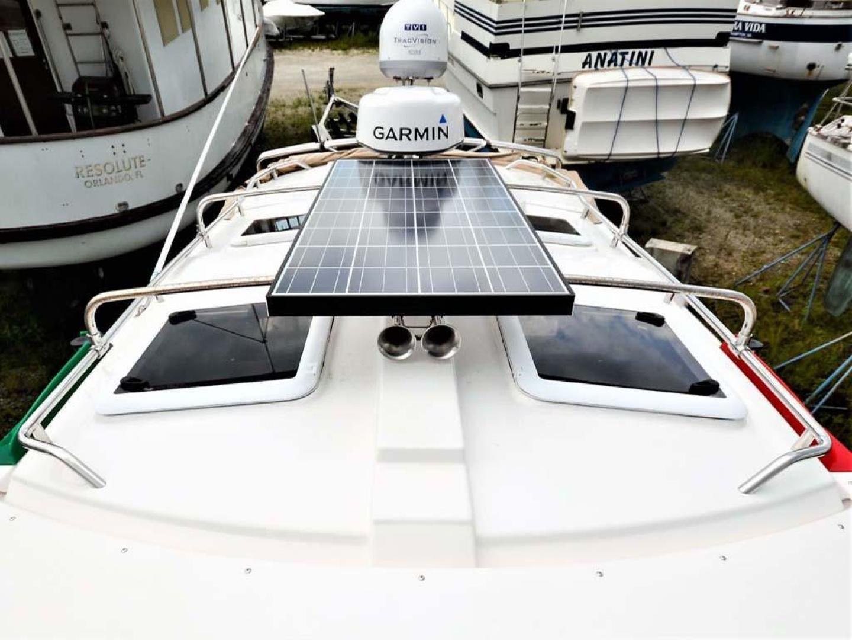 Cutwater-C-28-2018-Blue-Bayou-Stuart-Florida-United-States-Solar-Panel-and-Radar-976889