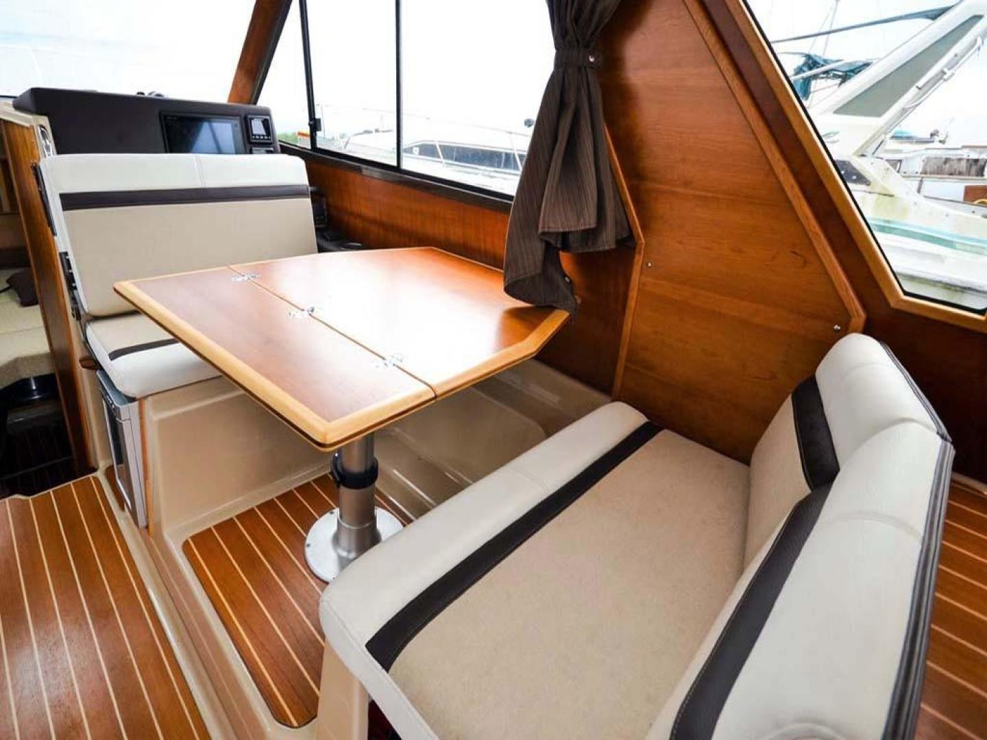 Cutwater-C-28-2018-Blue-Bayou-Stuart-Florida-United-States-Helm-Seat-Reversed-for-Dining-976893