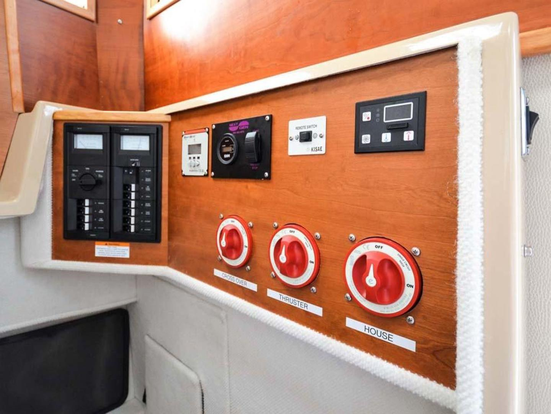 Cutwater-C-28-2018-Blue-Bayou-Stuart-Florida-United-States-Electrical-Panel-and-Controls-976902