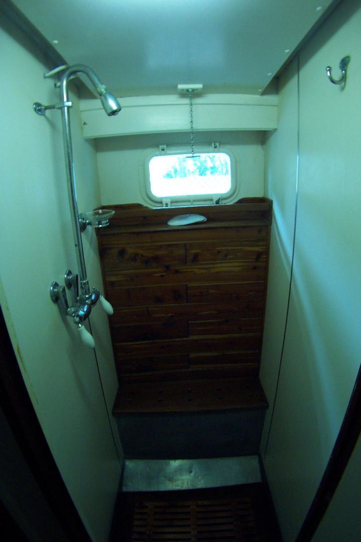Trumpy-CPMY 1960-ATLAS Stuart-Florida-United States-Guest Shower-452897 | Thumbnail