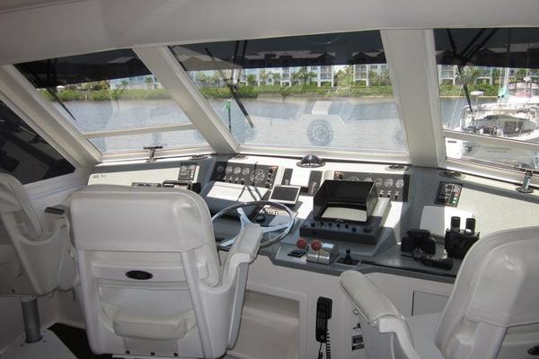 2000 Viking 60' 60 Cockpit Sport Yacht Lindonia | Picture 2 of 25
