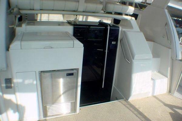 1999Carver 40 ft 404 Cockpit Motor Yacht   Carver 404 CMY