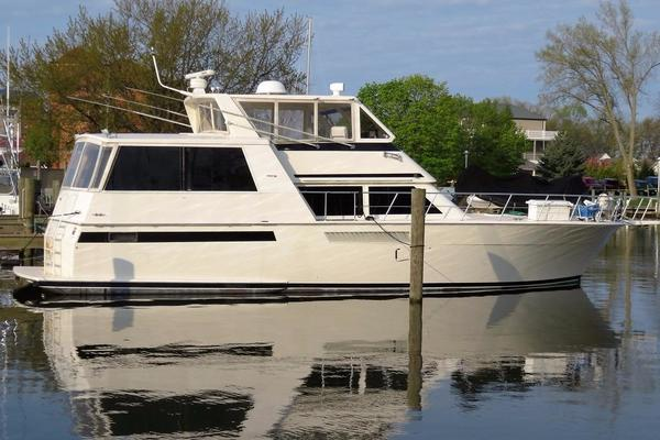 54' Viking 54 Sports Yacht 1993 | Northern Sweet Water