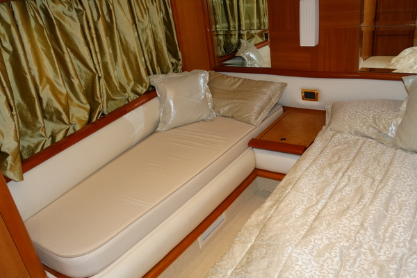 2010 Azimut 62' Motor Yacht Simple Toy | Picture 8 of 9