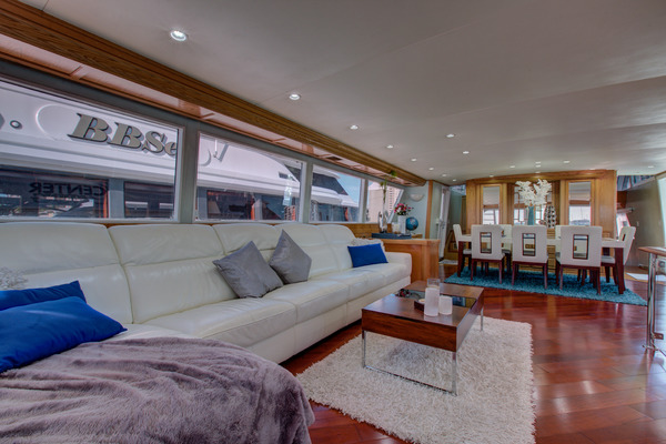1987Broward 100 ft Pilot House Motor Yacht   Center Ring