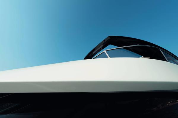 2019Monte Carlo Yachts 76 ft MCY 76