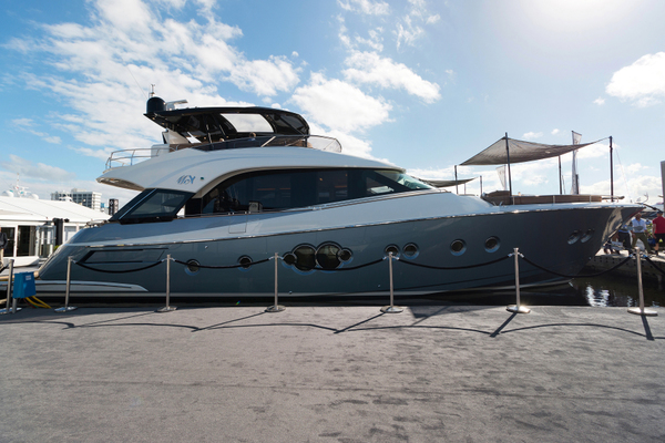 2018Monte Carlo Yachts 70 ft MCY 70