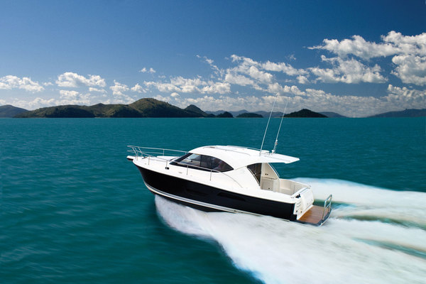 Riviera 3600 Sport Yacht with IPS