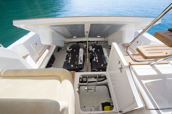 2018Riviera 43 ft 43 Open Flybridge with IPS