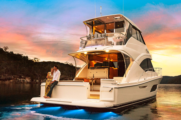 2019Riviera 57 ft 57 Enclosed Flybridge