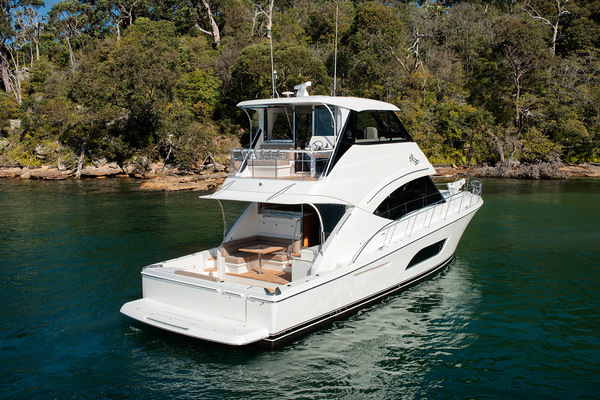 2021Riviera 57 ft 57 Enclosed Flybridge