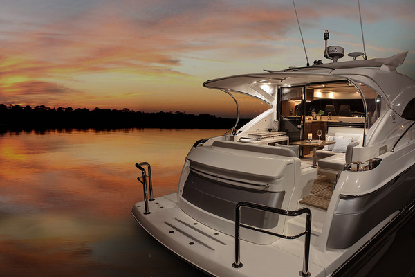 2022Riviera 48 ft 4800 Sport Yacht with IPS