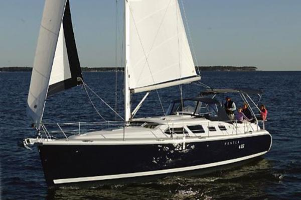41' Hunter 41 Deck Salon 2007 |