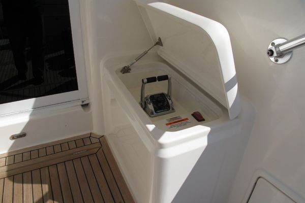2005Riviera 58 ft Enclosed Bridge Convertible   TOO CONTAGIOUS