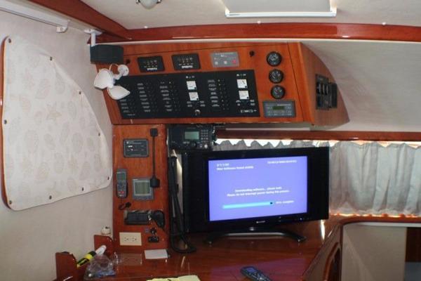 2006 Alliaura Marine 49' Privilege 495 DOG STAR | Picture 2 of 54