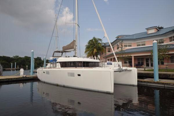 Picture Of: 39' Lagoon Lagoon 39 2014 Yacht For Sale | 1 of 27