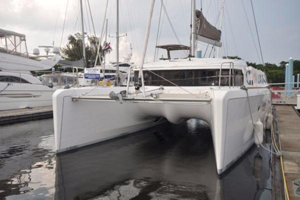 Picture Of: 39' Lagoon Lagoon 39 2014 Yacht For Sale | 2 of 27