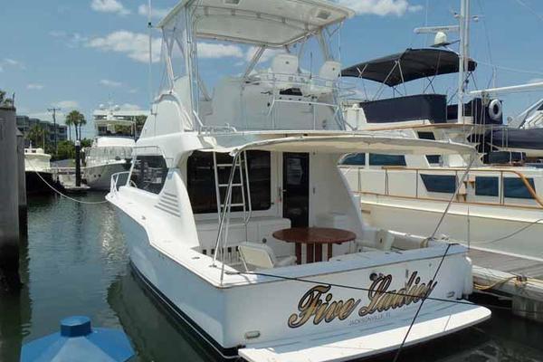 2005Mirage Yachts 40 ft 40 SF   FIVE LADIES