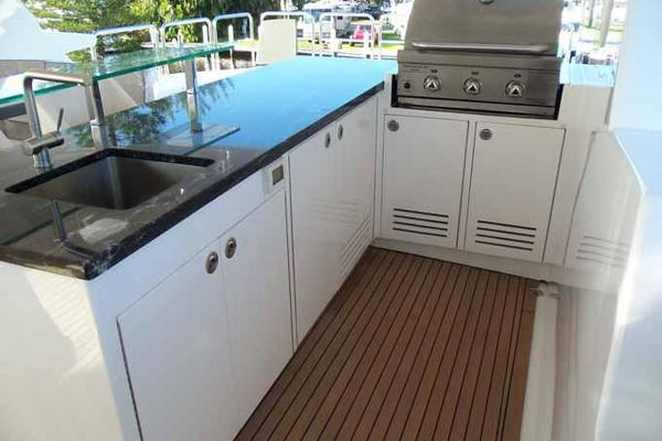 2017 Johnson 93' RPH w/ON-DECK MASTER  | Picture 7 of 69