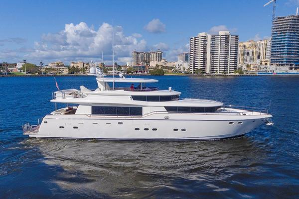 87' Johnson Flybridge W/euro Transom 2005 | 4 Mal