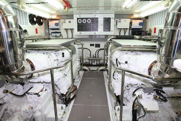 2019Johnson 80 ft 80  Skylounge w Hydraulic Platform   JOHNSON 80  SKYLOUNGE