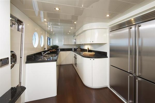 2021 Johnson 110' 110' Skylounge w/On-Deck Master Johnson 110 | Picture 5 of 23