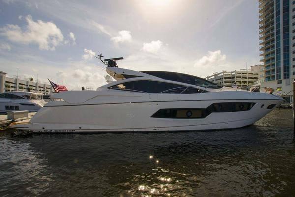 photo of 80' Sunseeker Predator 80 2013