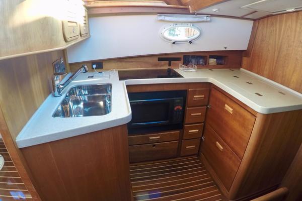 2007Hinckley 44 ft 44 Talaria Flybridge   Mary Ann