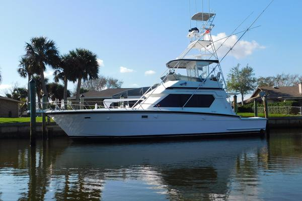 48' Hatteras 48 Convertible 1989 | Top Shelf