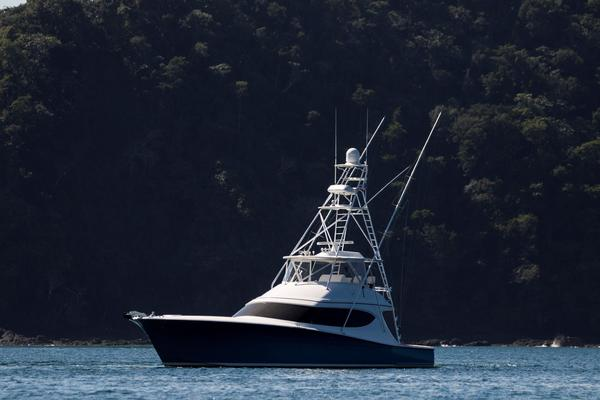 2015 Hatteras 63' 63 GT El Lobo | Picture 1 of 45