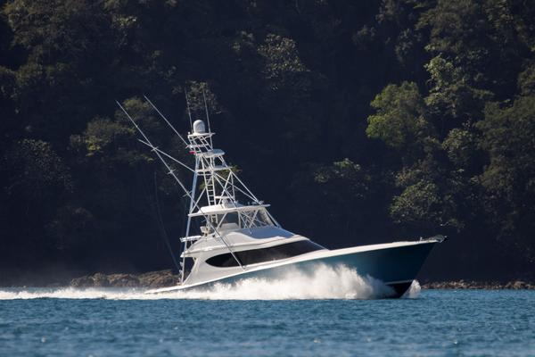 2015 Hatteras 63' 63 GT El Lobo | Picture 3 of 45