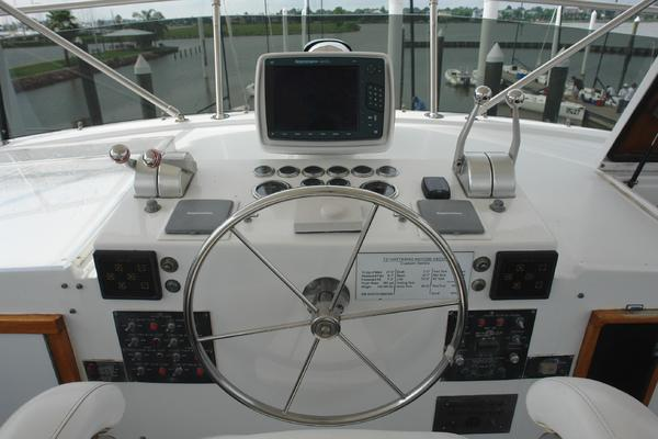 1985 Hatteras 72' 72 Motor Yacht Super Star | Picture 3 of 60