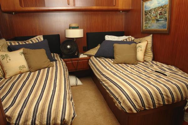 1985 Hatteras 72' 72 Motor Yacht Super Star | Picture 6 of 60