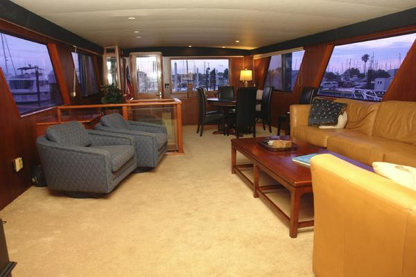 1985 Hatteras 72' 72 Motor Yacht Super Star | Picture 2 of 60