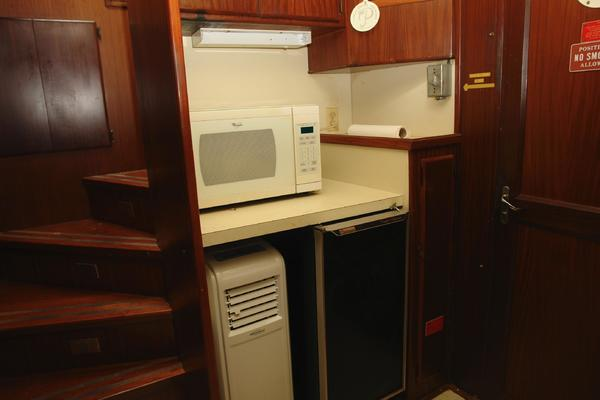1985 Hatteras 72' 72 Motor Yacht Super Star | Picture 5 of 60