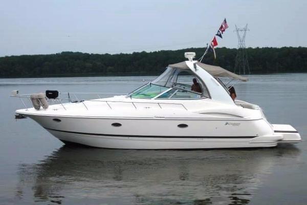 2003 Cruisers Yachts 3772 Cruiser