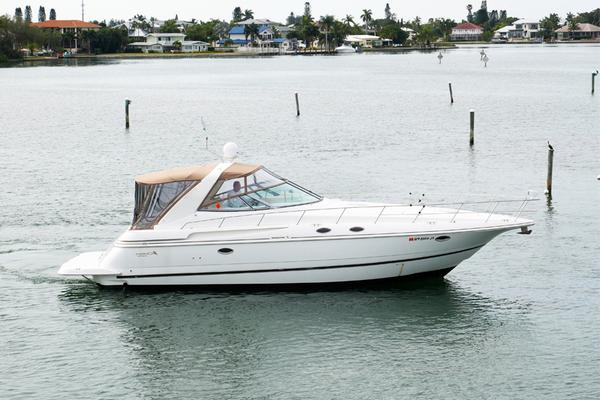 43' Cruisers 3870 Express 2000 | Cdreams