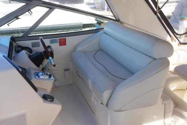 2000 38 Cruisers CDreams Dinette