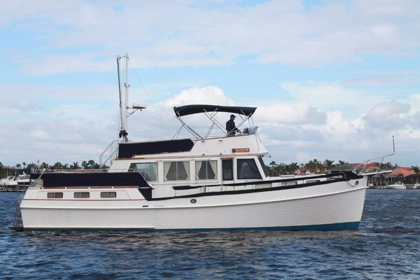 Grand Banks 49 Motor Yacht