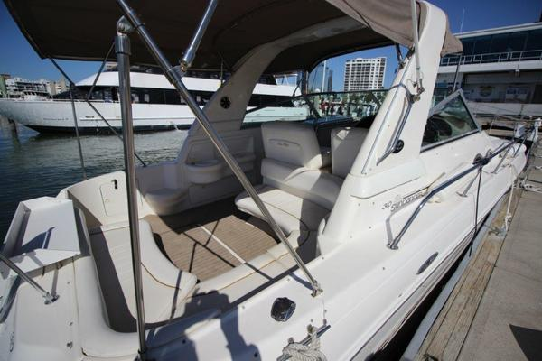1999Sea Ray 31 ft 310 Sundancer   No Name