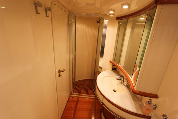 2007 Azimut 62' 62 Flybridge ICONIC SEA E O | Picture 3 of 42