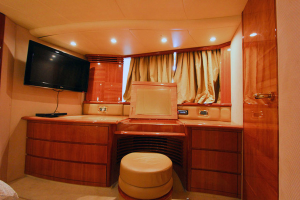 2007 Azimut 62' 62 Flybridge ICONIC SEA E O | Picture 8 of 42