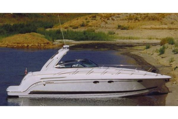 37' Formula PC Express Cruiser 2002 | Tupelo Honey