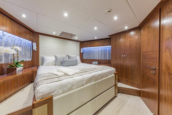 2018Hargrave 100 ft Motoryacht   MB3