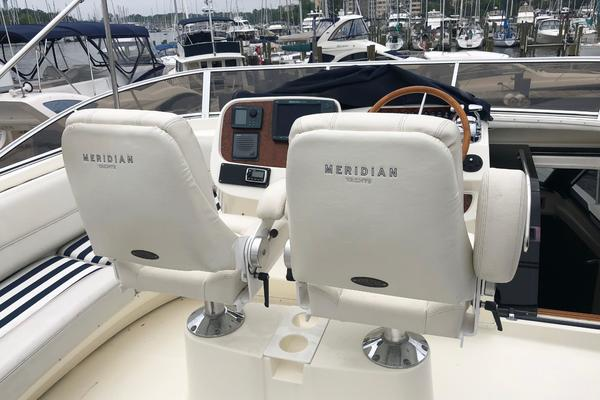2006Meridian 58 ft 580 Pilothouse   Blue  amp  Gold