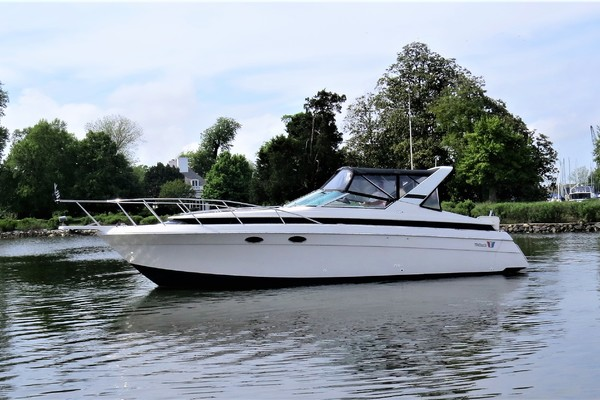 32' Wellcraft St Tropez 3200 1990 | Well Adjusted