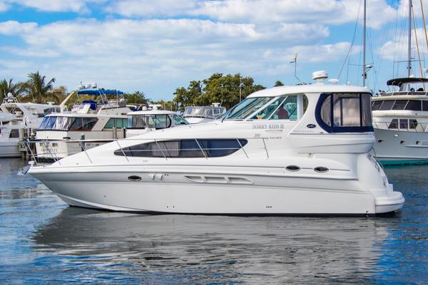 2005Sea Ray 39 ft 39 Motor yacht   Sorry Kids II