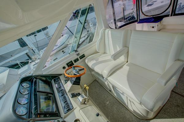 2005Sea Ray 39 ft 40 Motor yacht   Sorry Kids II
